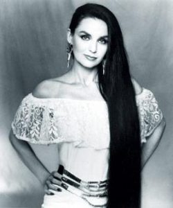 Crystal Gayle- Country Music Legend