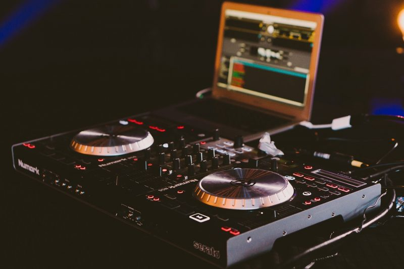 Five Things that make a good DJ